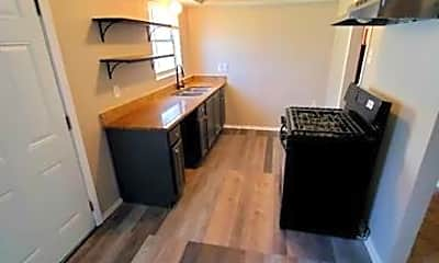 Kitchen, 117 E Vista Dr, 1