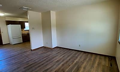 Living Room, 2248 N Clifton Ave, #A, 1