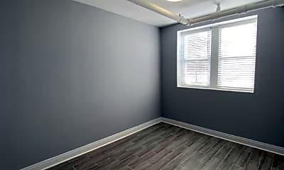 Bedroom, 2838 W Addison St, 2