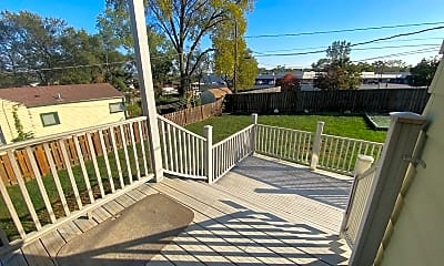 Patio / Deck, 7521 State St, 2