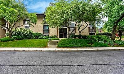 Building, 798 Fairview Ave E, 1