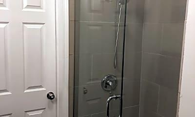 Bathroom, 2055 W Division St, 2