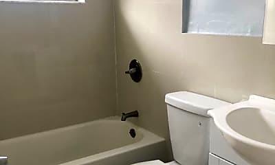 Bathroom, 210 NE 40th St, 2