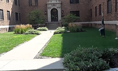 College Court, 0