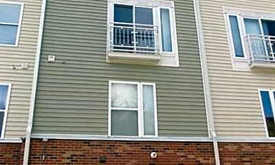 Building, 641 Raphael Place, 2