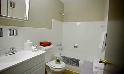 Bathroom, Wilson Plaza, 2