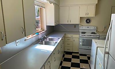 Kitchen, 1216 Broadway St, 1