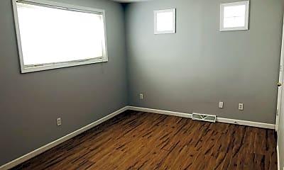 Bedroom, 4218 Beachwood Ave, 1