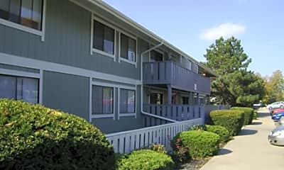 Skyline Drive Apartments, 2