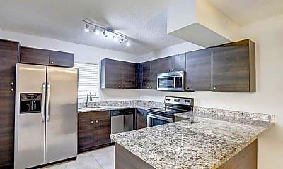 Kitchen, 7781 Courtyard Run W, 0