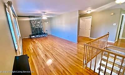 Living Room, 84 Carpenter Ave 2, 2
