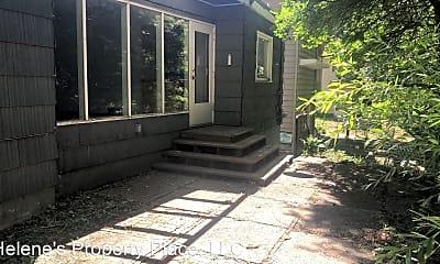 Building, 1035 NE Duncan Ln, 1