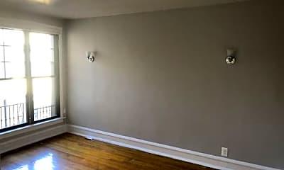Living Room, 6370 N Hermitage Ave, 1