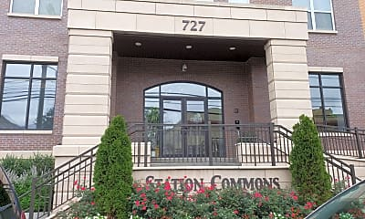 Station Commons, 1