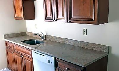 Kitchen, 443 Iowa Ave, 1