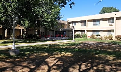 Palmdale Senior Gardens, 2