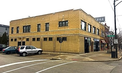 Building, 2422 W Fullerton Ave, 2