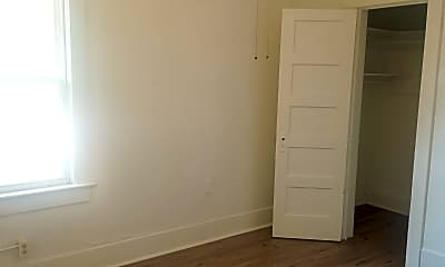 Bedroom, 387 N University Ave, 1