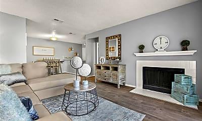 Living Room, 3708 W Pioneer Pkwy, 0