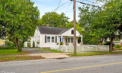 Building, 847 Rutledge Ave, 2