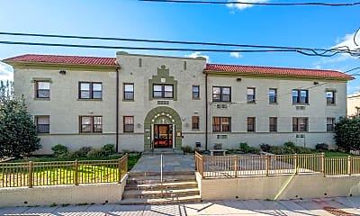 Building, 315 Evarts St NE 204, 2