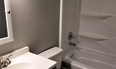 Bathroom, 510 Pecan Dr, 1
