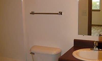 Bathroom, 1101 N Russell St, 1