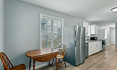 Dining Room, Room for Rent - Grove Park Home, 1