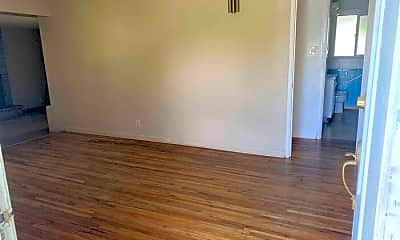 Bedroom, 44 W Washington Ave, 1
