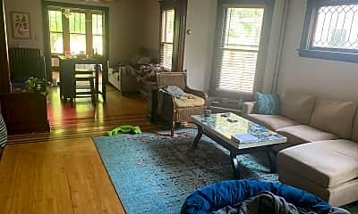 Living Room, 2830 Fillmore St NE, 0