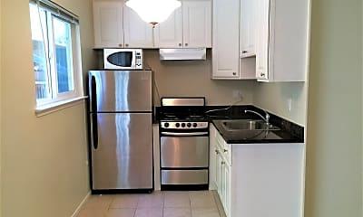 Kitchen, 400 Monterey Blvd, 1