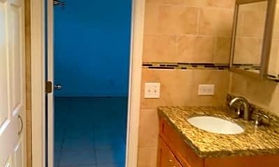 Bathroom, 5810 NE 14th Rd, 2