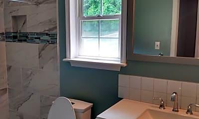 Bathroom, 2827 Summertree Lane, 2