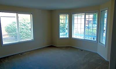 Living Room, 13416 NE 77th St, 1