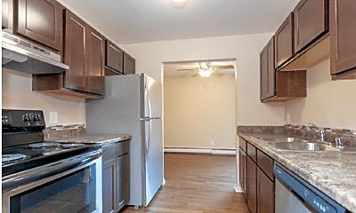 Kitchen, Crosstown of Sun Prairie, 1