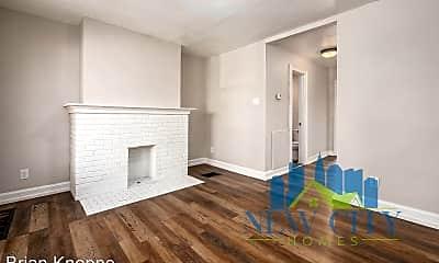 Living Room, 765 E Starr Ave, 1