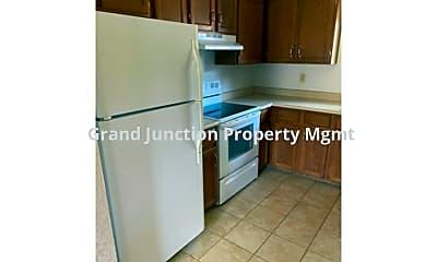 Kitchen, 3003 Zenobia St, 2