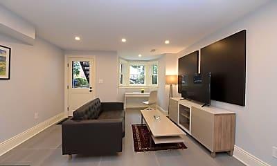 Living Room, 416 A St SE 4, 1
