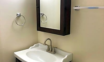 Bathroom, 845 W 1st St, 2