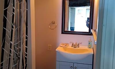Bathroom, 713 E Loudon Ave, 1