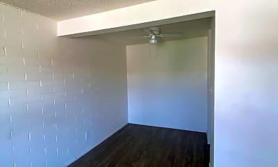 Living Room, 528 W 9th Pl C, 1