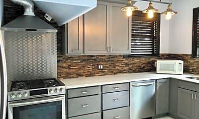 Kitchen, 162 Davis Ct, 1