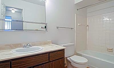 Bathroom, Del Marr Apartments, 2