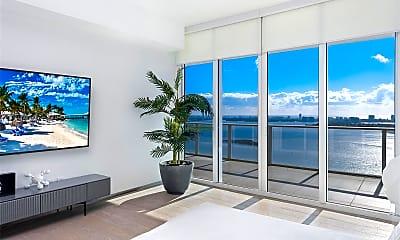 Living Room, 2020 N Bayshore Dr 3807, 1