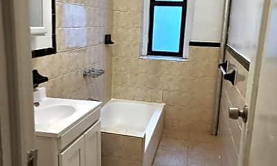 Bathroom, 510 W 135th St, 2