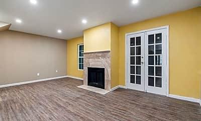 Living Room, 4624 San Jacinto St A, 1