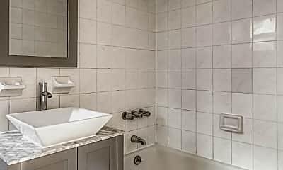 Bathroom, 39 Halsey St GARDEN, 2