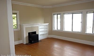 Living Room, 3750 Park Blvd Way, 1