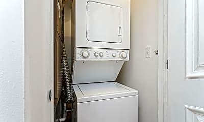 Bathroom, 1208 N 4th St 2, 2