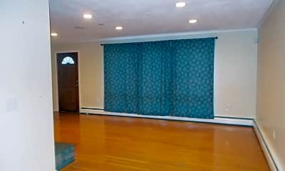 Living Room, 92 Pollys Ln, 1